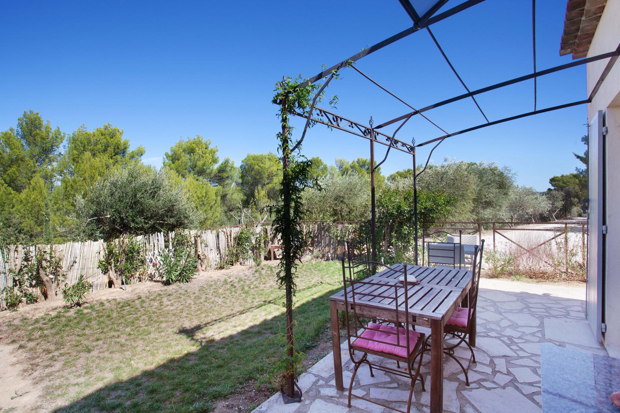 Magnifique T.2 avec jardin au sein d'un domaine privé