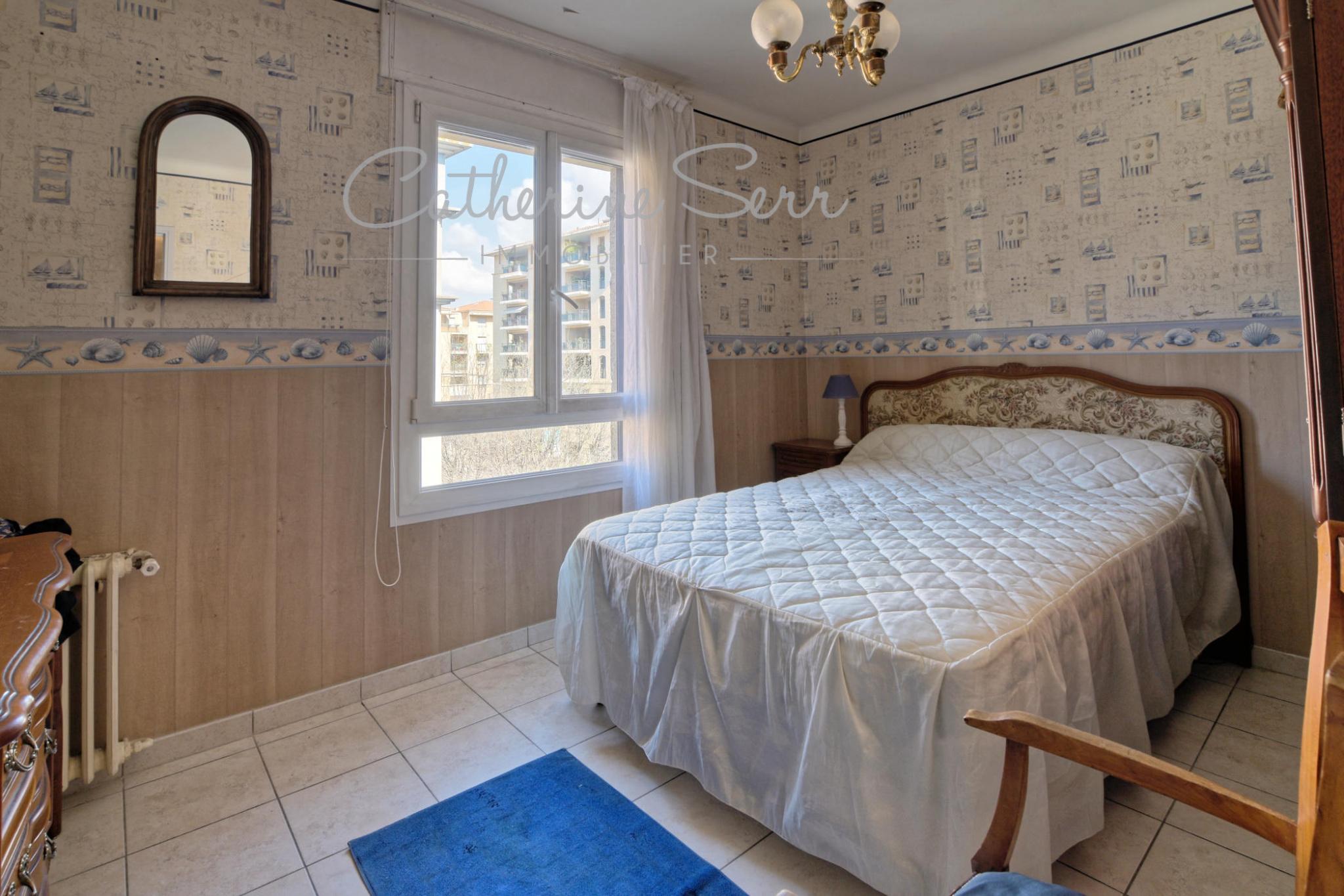 Appartement de type 4/5 avec cave en étage avec ascenseur..