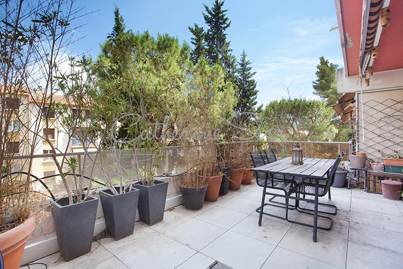 Appartement T1/T2  avec grande terrasse Aix bas de Saint Jérôme