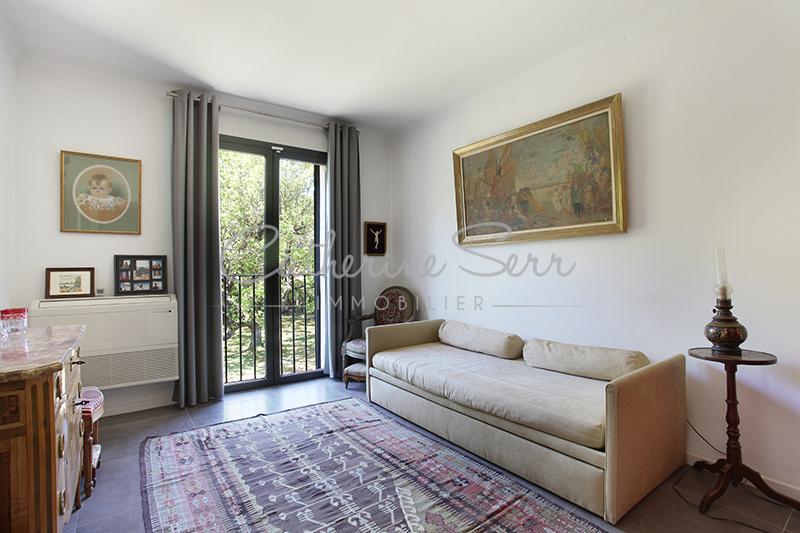 Puyricard- Haut de villa contemporain.