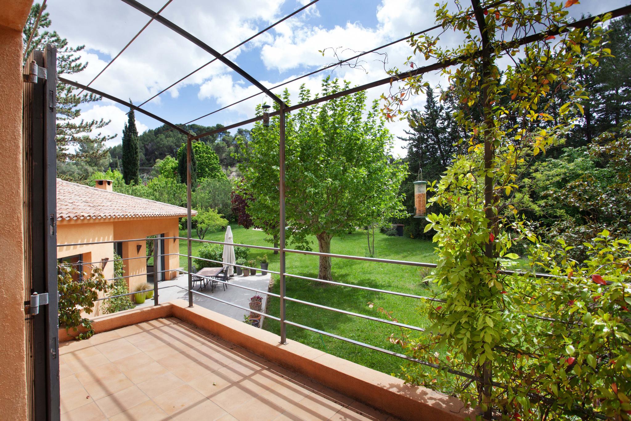 Magnifique bastide sur un parc paysagé de 6500 m2 avec piscine et un studio indépendant